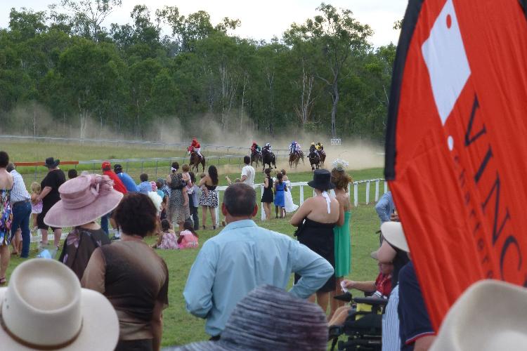 Racecourse : Eidsvold (Australia)