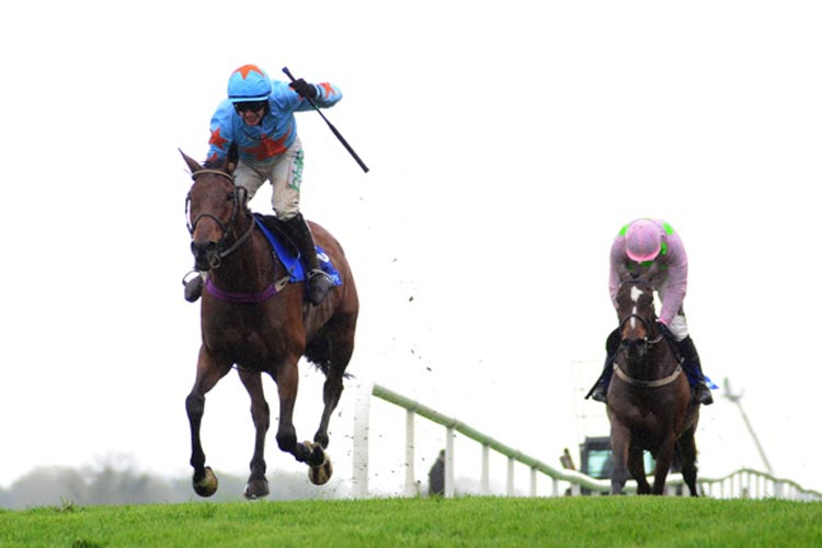 Un De Sceaux winning the BoyleSports Champion Chase (Grade 1)