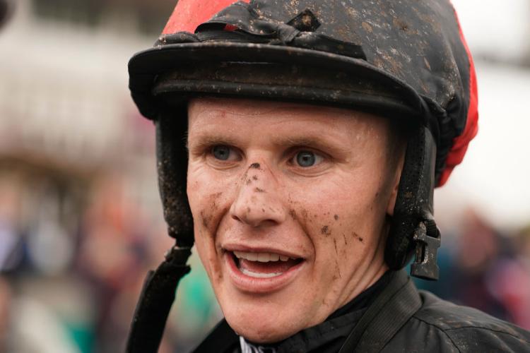 Jockey : Tom Cannon