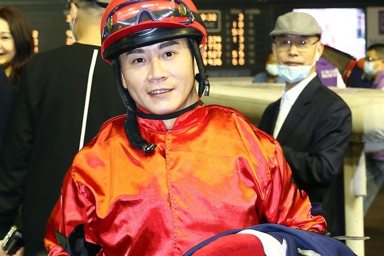 Jockey : Roger Yu