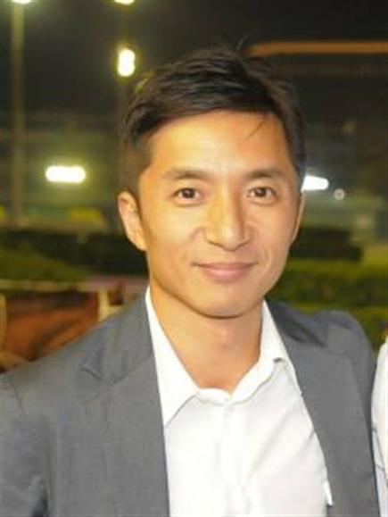 Trainer : Stanley Chin