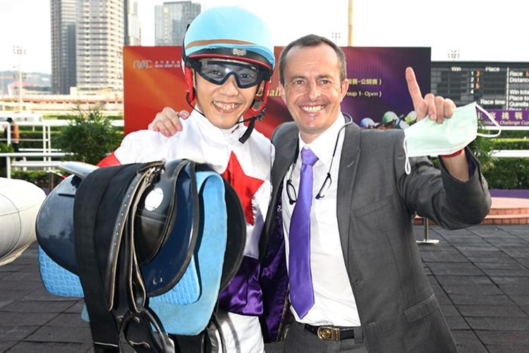 Shogo Nakano and trainer Wayne Smith