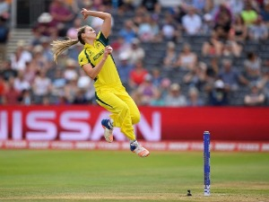 ELLYSE PERRY in action during the ICC Women's World Cup  in Bristol, England.