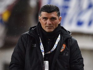 JOHN ALOISI, coach of Brisbane looks on prior to the AFC Champions League Group E match between Kashima Antlers and Brisbane Roar FC at Kashima Stadium in Japan.