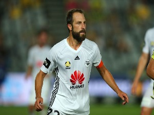 ANDREW DURANTE of the Phoenix during the A-League match between the Central Coast Mariners and the Wellington Phoenix at Central Coast Stadium in Gosford, Australia.