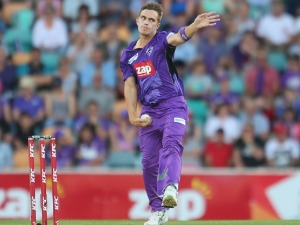 CAMERON BOYCE of the Hurricanes bowls during the Big Bash League match between the Hobart Hurricanes and the Brisbane Heat at Blundstone Arena in Hobart, Australia.