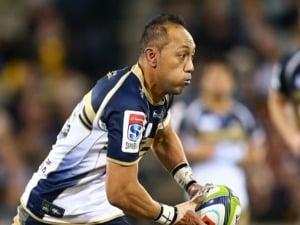 CHRISTIAN LEALIIFANO of the Brumbies runs the ball during the Super Rugby Quarter Final match between the Brumbies and the Hurricanes at Canberra Stadium in Canberra, Australia.