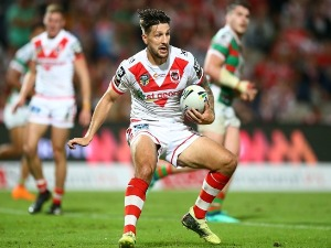 GARETH WIDDOP of the Dragons in action during the NRL match between the St George Illawarra Dragons and the South Sydney Rabbitohs at UOW Jubilee Oval in Sydney, Australia.