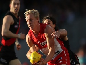 ISAAC HEENEY of the Swans in action during the AFL Second Elimination Final match between the Sydney Swans and the Essendon Bombers at SCG in Sydney, Australia.
