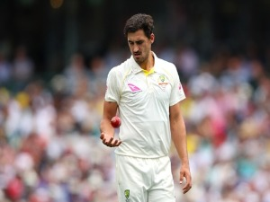 MITCHELL STARC of Australia preapres to bowl during day one of the Fifth Test match in the 2017/18 Ashes Series between Australia and England at SCG in Sydney, Australia.