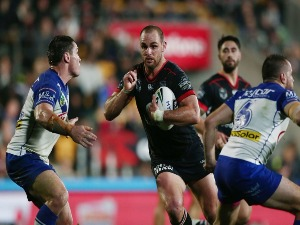 SIMON MANNERING of the Warriors on the charge during the NRL match between the New Zealand Warriors and the Canterbury Bulldogs at Mt Smart Stadium on Auckland, New Zealand.